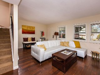 Adorable 3 Bedroom Town Home Located Near the Del Mar Race Track - Solana Beach vacation rentals