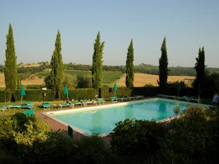 Beautiful apartment with pool in Montepulciano - Valiano vacation rentals
