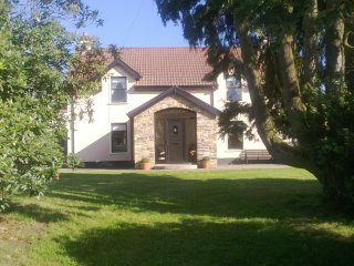 Beautiful House with Internet Access and Parking - Strabane vacation rentals