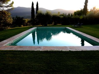 Bright 5 bedroom Cetona Villa with Housekeeping Included - Cetona vacation rentals