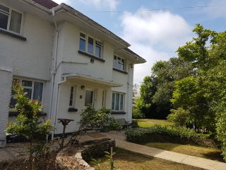 Large Retro House, Sandbanks, Bournemouth, Dorset - Bournemouth vacation rentals