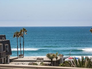 Surf's Up at this Surf'nSail Penthouse - Oceanside vacation rentals