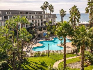 Southside e'Scape -- Sunny Beach Rental Overlooks Pool with Oceanview - Oceanside vacation rentals