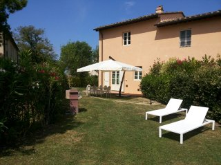Pretty house inside a a natural park. Share pool - Pisa vacation rentals