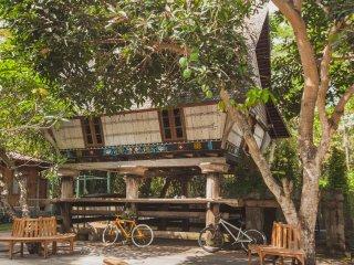 UNIQUE SUMATRAN KARO HOUSE - Canggu vacation rentals