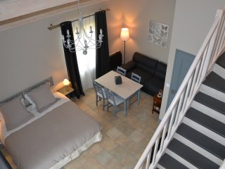 Les Galapons : Chambre Centaurée - Trept vacation rentals