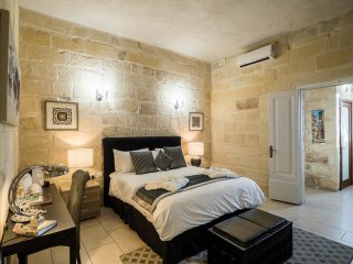 Beautiful Bed and Breakfast with Deck and Internet Access - Island of Malta vacation rentals