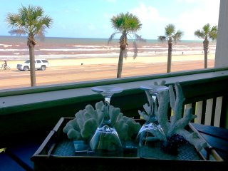 1 bdrm; Gorgeous OCEAN AND BEACH VIEW FROM BALCONY; Hot Spa and Swimming Pools! - Galveston Island vacation rentals