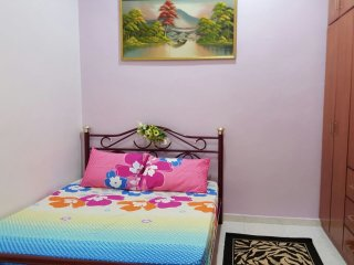3 bedroom Guest house with A/C in Segamat - Segamat vacation rentals
