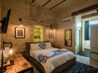1 bedroom Bed and Breakfast with Housekeeping Included in Cospicua (Bormla) - Cospicua (Bormla) vacation rentals