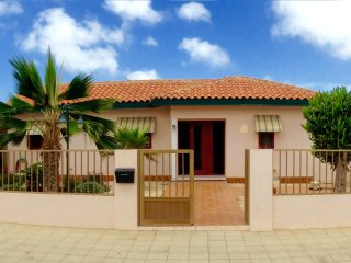 Private Casa Tarabana with Jacuzzi - Oranjestad vacation rentals