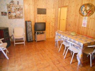 AFFITTASI Villetta zona BALZE !!! (800m s.l.m) - Casteldelci vacation rentals
