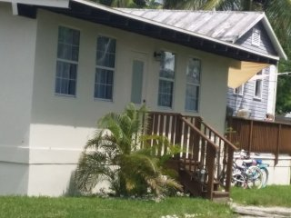 Lovely House with Internet Access and A/C - Everglades City vacation rentals