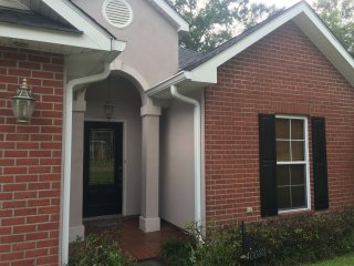 Cozy House with Internet Access and A/C - Ponchatoula vacation rentals
