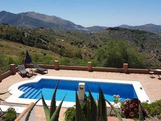 Beautiful 3 bedroom Villa in Canillas de Albaida with Internet Access - Canillas de Albaida vacation rentals