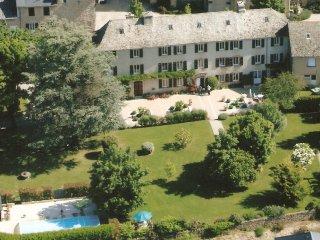 Chambres d'hotes en Aveyron Le Clos d'Albray - Rodez vacation rentals
