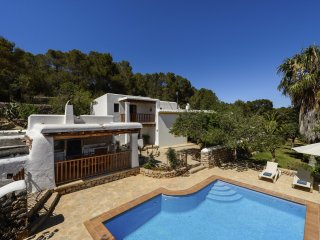 Nice Villa with Internet Access and A/C - Dosrius vacation rentals