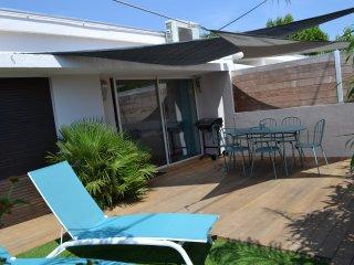 Beau 3 pièces terrasse plages&commerces à pied - Carqueiranne vacation rentals