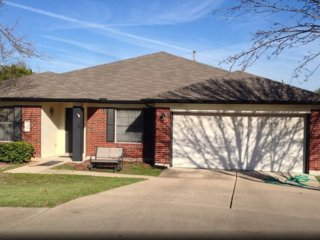 Scott's Huge House! Sleeps 10. Safe quiet culdesac - Round Rock vacation rentals