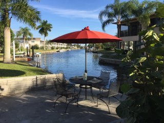 2 Bedroom with a Full Size Sleeper on Canel #2 - Cape Coral vacation rentals