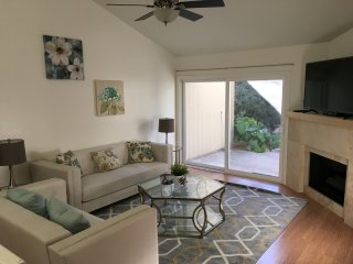 3BD/2BTH Condo Near Malls, Disney, & Beach - H - Costa Mesa vacation rentals