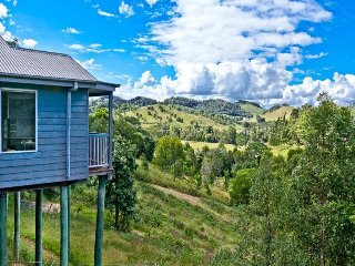 Animalia Range Country Hideaway - Kin Kin vacation rentals