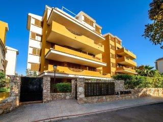 Nice 2 bedroom Condo in Punta Prima with Internet Access - Punta Prima vacation rentals