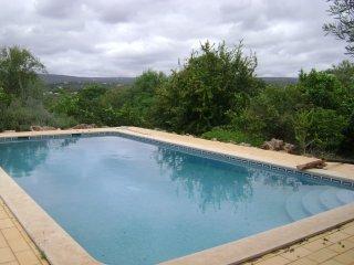 Algarve Casa Rústica em Aldeia Típica - Paderne vacation rentals