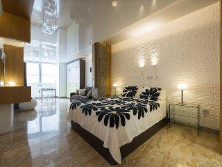 Cozy Apartment in Las Palmas de Gran Canaria with A/C, sleeps 6 - Las Palmas de Gran Canaria vacation rentals