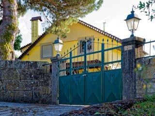 Zen Vouga Country villas & pool / Gites et piscine - Viseu vacation rentals