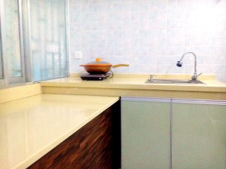 3 rooms Apartment in city center Zhengyang street - Guilin vacation rentals