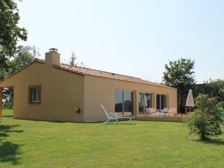 Nice House with Internet Access and Television - Pont-Saint-Martin vacation rentals