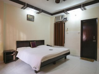 Bright 25 bedroom Guest house in Haridwar with Elevator Access - Haridwar vacation rentals