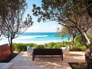 Bright 4 bedroom House in Blueys Beach with Garage - Blueys Beach vacation rentals