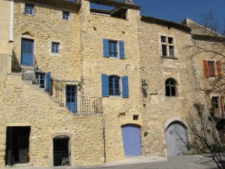 Bright 4 bedroom House in Saint-Montan with Internet Access - Saint-Montan vacation rentals