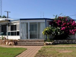 4 bedroom House with Television in Port Hughes - Port Hughes vacation rentals