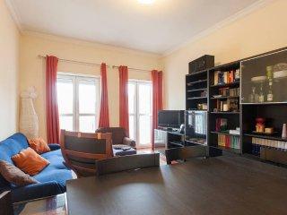 Nice Flat by Quinta das Conchas - Lisbon vacation rentals