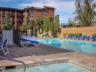 Cozy condo near downtown w/lake views, pool, hot tub, & splash pad! - Chelan vacation rentals