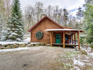 Trendy & rustic cabin on mountain, near skiing & golf course - Killington vacation rentals