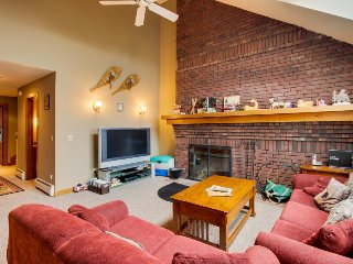 Ski-in/ski-out getaway w/ private deck, shared pool - dogs welcome! - Killington vacation rentals