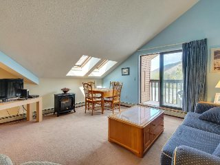 Ski-in/ski-out condo at the base of Pico Mountain w/ shared pool and sauna - Killington vacation rentals
