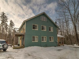 Spacious mountain lodge near Mount Snow! - West Dover vacation rentals