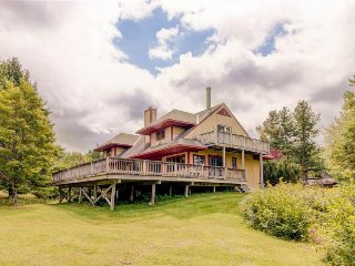 Spacious lodge w/ private hot tub & entertainment - close to ski slopes! - Dover vacation rentals