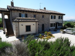 Nice Cottage with Internet Access and Balcony - Fermo vacation rentals