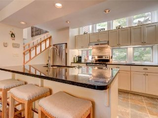 Elegant home near Stratton Mountain with a shared pool, hot tub & gym! - Bondville vacation rentals