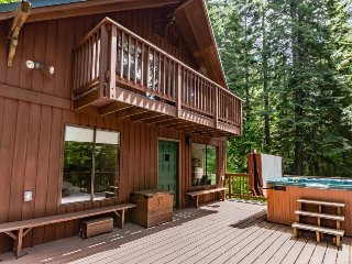 Secluded lodge w/private hot tub & views of Lake Wenatchee! - Plain vacation rentals