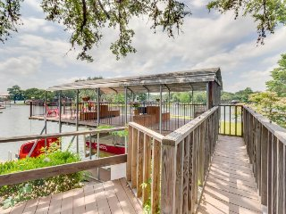 Family lakefront home w/ a private dock, paddle boat & SUPs! - Kingsland vacation rentals