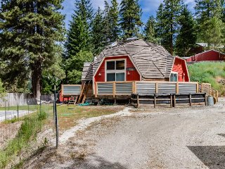 Quiet, charming home w/ private hot tub - Leavenworth vacation rentals