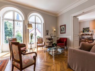 Superb 100sqm 2BR flat for 6 by Invalides – P7 - Paris vacation rentals