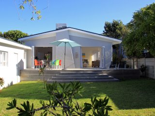 Bright 3 bedroom House in Kommetjie - Kommetjie vacation rentals